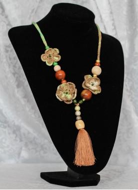 Colier crosetat manual,  unicat, handmade, Verde-Capuccino