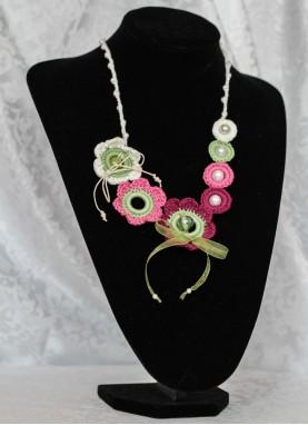 Colier crosetat manual,  unicat, handmade, Mov cu perle