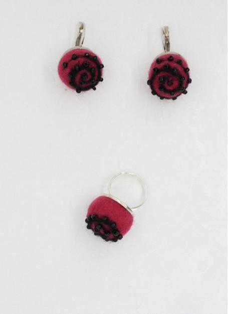 Set cercei si inel ,lana impaslita manual,  unicat, handmade, Ciclamen