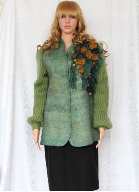 Jacheta Tyana,  din lana naturala impaslita  manual, unicat, handmade