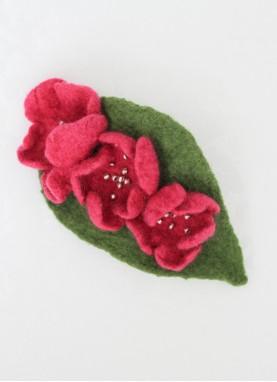 Clama de par cu flori din lana impaslita, handmade,unicat, Flori de Liliac